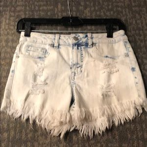 Altered state light wash frayed jean shorts